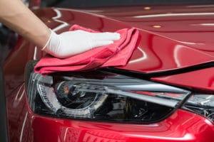 Aprenda a lavar seu carro sem danificar a pintura: 7 dicas úteis