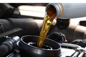 Veja qual o período certo para troca de óleo da sua moto