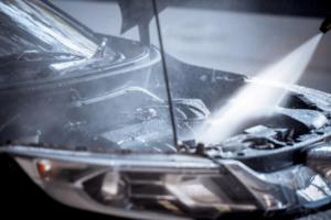 lavar-o-motor-do-carro