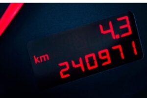 Vale a pena comprar carro com quilometragem alta?