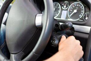 Conduzir o carro sem esquentar o motor antes pode dar problema?