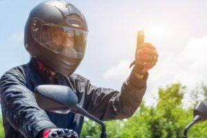 Confira 5 dicas para motociclistas iniciantes evitarem acidentes no trânsito