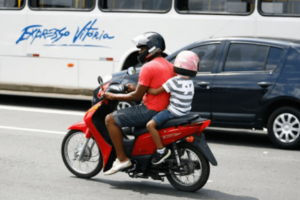 5 dicas de como transportar criança na garupa das motos