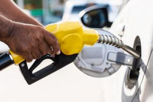 Etanol ou gasolina: qual combustível compensa abastecer no Brasil?