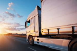 Quais as vantagens de ter uma proteção veicular para caminhões?