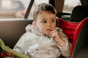 transporte-de-crianças-na-cadeirinha