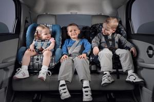 Transporte de crianças na cadeirinha: nova lei valerá a partir de abril