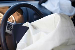 É necessário fazer a manutenção do airbag mesmo se não for acionado?
