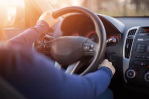 Veja 5 coisas que os motoristas não devem fazer no carro