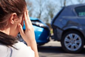Quais os procedimentos tomar após uma colisão entre veículos?